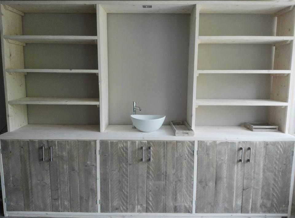 Kast White Wash : Kast whitewash met oldgrey deuren remco